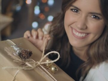 Christmas Season Falabella - Paulina Vega