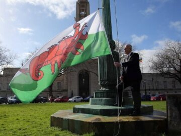 Swansea Mayor raising flag