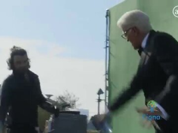 Ted Danson – Fencing