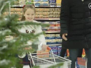 Iceland's Shopping on Ice