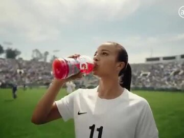 Mallory Pugh Brings the Heat