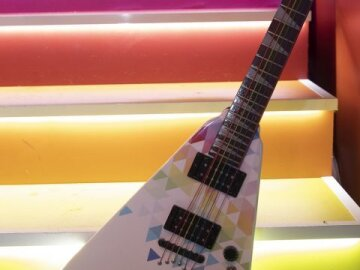 The Diversity Guitar