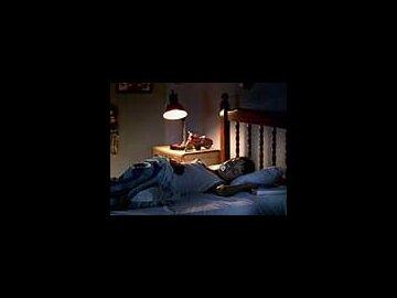 Hand / Bedroom
