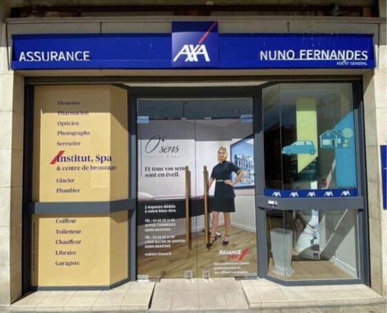 AXA se lance dans une campagne d'affichage de grande proximité.