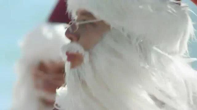 ALDI - Surfin' Santas