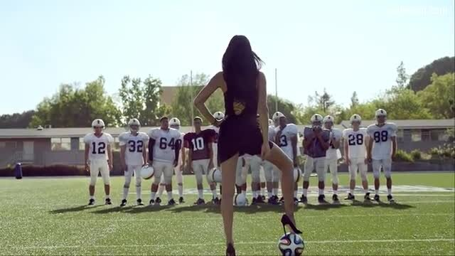 Adriana Lima Football vs. Futbol