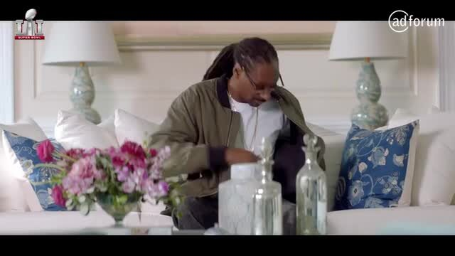 T Mobile Commercial Feat. Martha Stewart and Snoop Dogg