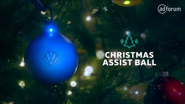 Christmas Assist Ball